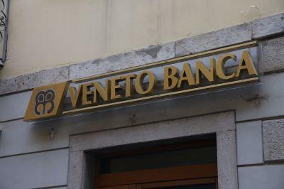 VENETO BANCA (Filiale), Bankfiliale, Eingang, Firmenschild, Logo, Sujet, Eingang, BankgebŠude